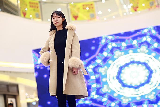 博雅模特为海宁皮革城展示2018新春奢华皮草
