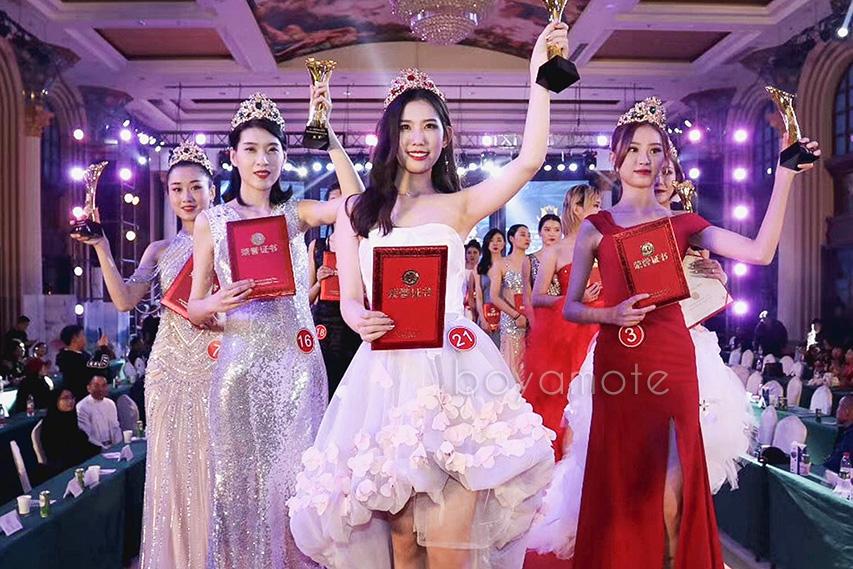 王小玮获得2018世界超级模特全明星冠军赛 中国区冠军